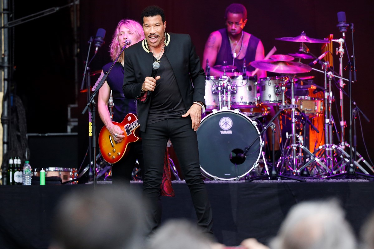 LIONEL RICHIE, Saenger, Soul, USA, All The Hits - Tour, Citadel Music Festival 2016, Auftritt, open air, 17.07.2016, Zitadelle, Spandau, Berlin, Deutschland   LIONEL RICHIE, Singer, Soul, USA, performs on July 17, 2016, at Zitadelle, Spandau, Berlin, Germany